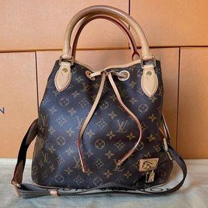 Authentic Crossbody Louis Vuitton